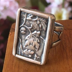 R1839 Silpada Sterling Silver Floral Vine Ring